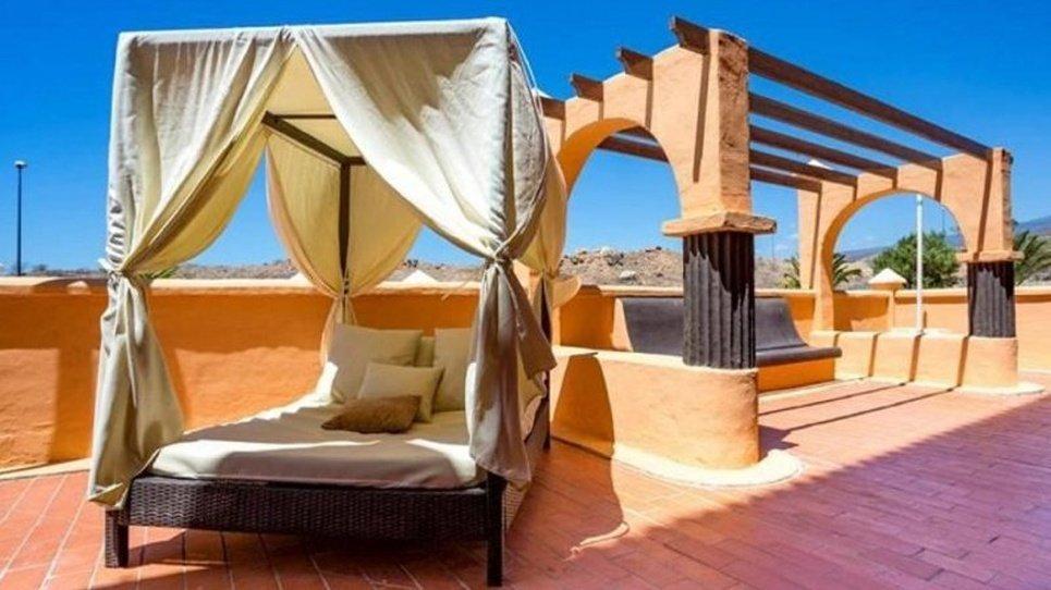 BALINISE BEDS Coral Los Alisios Hotel