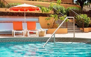 Swimming pool Hotel Coral Los Alisios
